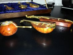 9 Instrumente Gitarre Streichinstrumente Echtholz Koffer Holzkoffer Samt   eBay