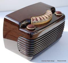 Vintage Tube Radio by Philco 1946 Tvs, Midnight Radio, Music Machine, Art Deco, Retro Radios, Radio Wave, Old Time Radio, Record Players, Phonograph