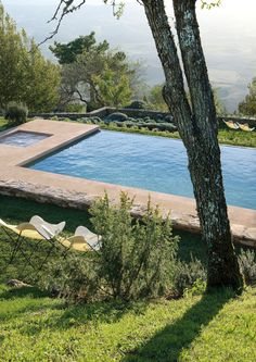 The garden pool is something to enjoy and cool in the hot days. The indoor swimming pool can successfully replace the gym. We have a rich collection of 105 Moderne Pools, Tuscan Design, Monteverde, Beautiful Pools, Dream Pools, Cool Pools, Pool Houses, Pool Designs, Cabana