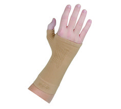 Our WS6 Compression Wrist Sleeve can help relieve pain for anyone experiencing carpal tunnel, arthritis, poor circulation, or swelling. Our product gives you support while using compression in order to relieve your pain. The patent pending Compression Zone Technology™ promotes circulation and relieves your discomfort, all while having a light design and gel stabilizer zones to keep it in place. #craft #carpaltunnel #crochet #knit