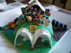 Glastonbury cake from Cakes By Nicky