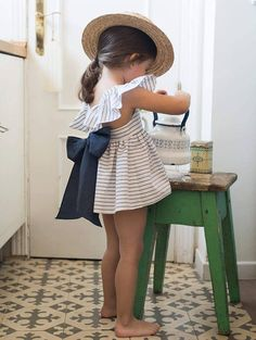 Fashion baby Girl // Get ready for days full of tea parties with this adorable romper and sunhat. Little Girl Fashion, Toddler Fashion, Fashion Kids, 80s Fashion, Petite Fashion, Curvy Fashion, Trendy Fashion, Fall Fashion, Style Fashion