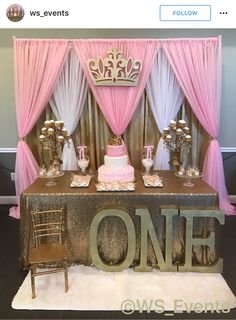 Pink and gold birthday party theme. So pretty! – first birthday party decor – m… - Baby Shower Party Decorations Party Kulissen, Baby Party, Shower Party, Baby Shower Parties, Baby Shower Themes, Shower Ideas, Baby Shower Backdrop, Ideas Party, 1st Birthday Girls