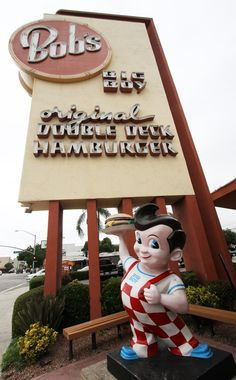 Bob's Big Boy is a restaurant chain that Bob Wian founded in Southern California in originally named Bob's Pantry. It is now part of Big Boy Restaurants International, the current primary trademark owner and franchisor of the Big Boy system. Vintage Advertisements, Vintage Ads, Vintage Photos, Vintage Stuff, Big Boy Restaurants, Bobs, Vintage Restaurant, I Remember When, Old Signs