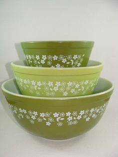Set of Three Pyrex Mixing Bowls in the Spring by ElodieVintageHome, $45.00