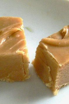 World's Best Peanut Butter Fudge | A friend shared this recipe with me, and it is by far the best fudge recipe I've ever tried.