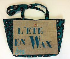 """Sac en toile de jute et pagne wax, """"l'été en wax"""" de la boutique Isasgallery sur Etsy Sacs Tote Bags, Reusable Tote Bags, Burlap Canvas, African Fabric, Mother Day Gifts, Tweed, Lab, Decor Ideas, Beige"""