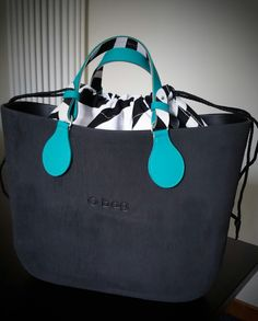 Brush nera Textiles, Goodie Bags, Bago, My Bags, Fashion Bags, Designer Handbags, Winnie The Pooh, Leather Bag, Diaper Bag