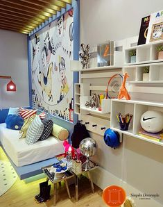 """Fui convidada para conhecer a mostra de decoração CasaCor 2016 do Rio de Janeiro, que este ano ocupou a chamada """"Casa Rosa"""", no bairro da Gávea, com 1.000m2 de área construída em um terreno de 5.000m2.  São 45 ambientes internos e externos, um enorme e lindo jardim assinado por Burle Marx. A casa é um espetáculo e esta é uma das melhores das 26 edições da CasaCor no Rio, na minha opinião..."""