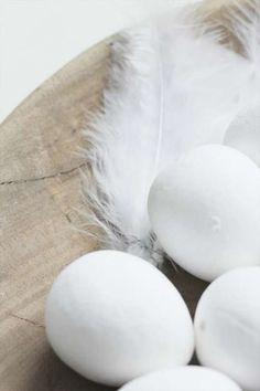 Decorazioni pasquali in bianco - Uova bianche