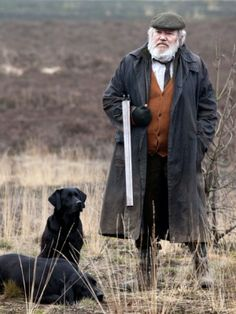 Albert Finney and black labs in Skyfall. James Bond, Skyfall, Ste Croix, Art Of Manliness, Hunting Dogs, Looney Tunes, Mans Best Friend, Character Inspiration, Film Inspiration
