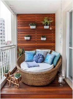 10 Small Balcony Garden Ideas: How To Dress Up Your Balcony - Apartment - Balcony Furniture Design Patio Decor, Small Apartment Balcony Ideas, Small Balcony Design, Decor, Apartment Room, Affordable Apartment Decor, Home, Small Apartment Decorating, Home Decor