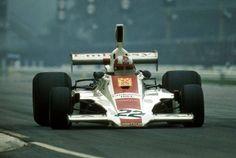 1975 Italian GP, Monza : Rolf Stommelen, Hill-Ford GH1 #22, Embassy Racing, Retired (accident, lap 3) (ph: pinterest.com)