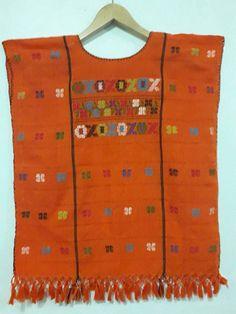 Mira este artículo en mi tienda de Etsy: https://www.etsy.com/es/listing/526343037/embroidery-huipil-mexico-bluose-oaxaca