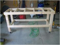 Garage work table is an important part for all garages. Build a simple workbench for your garage that provides ample work space Simple Workbench Plans, Garage Workbench Plans, Workbench Designs, Diy Workbench, Workbench Organization, Industrial Workbench, Folding Workbench, Workbench On Wheels, Workbench Casters
