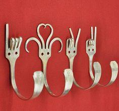 23 idees originales de recyclage de vieux objets fourchettes porte manteaux 23 idées originales de recyclage de vieux objets velo valise...