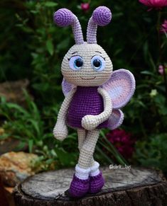 Lindinha Receive more than crochet and amigurumi recipes in your email. Crochet Animal Patterns, Crochet Doll Pattern, Stuffed Animal Patterns, Crochet Patterns Amigurumi, Amigurumi Doll, Crochet Dolls, Doll Patterns, Crochet Fairy, Crochet Bee
