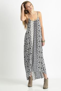 En Crème Strappy Maxi Dress in BLACK MULTI