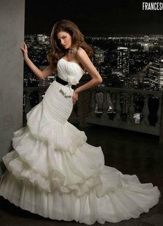 Vestido de novia Briden Formal 2012 con cinturón negro