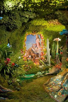 Printemps Hermes spring window display - wow - lots of work Spring Window Display, Store Window Displays, Retail Displays, Retail Windows, Store Windows, Hermes Window, Merchandising Displays, Window Design, Retail Design