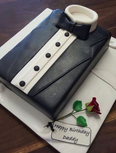 Tuxedo cake Fondant Toppers, Fondant Cakes, Cupcake Cakes, Cupcakes, Wedding Cake Designs, Wedding Cake Toppers, Birthday Cakes For Men, Dad Birthday, Bow Tie Cake