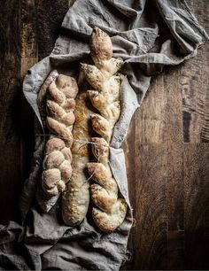 Little Rusted Ladle: Artisan Baguette. Who wouldn't love a fresh baked baguette? #bakeforgood