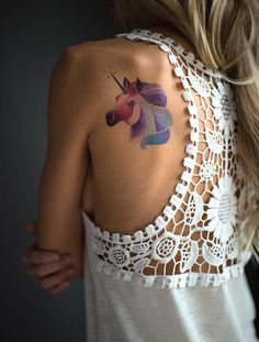 One of those artists, Sasha Unisex, has recently teamed up with the company to create temporary tattoos that mimic her iconic watercolor style and feminine color palette. #inked #tattoo #feminine #colorful #temporarytattoo #sashaunisex #watercolor