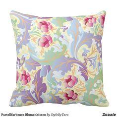 Pastellfarbenes Blumenkissen Kissen