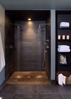 Yläkerrassa ajattelin suihkun kohtaan laittaa luonnonkiveä.