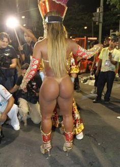 Костюмы бразильского карнавала как держатся трусы