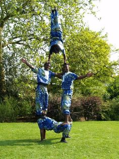 The Pyramid Troupe - African Acrobats