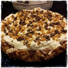 Making this on Saturday :) Norwegian Food, Norwegian Recipes, Low Fodmap, Let Them Eat Cake, Cake Recipes, Caramel, Food And Drink, Treats, Snacks