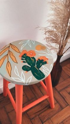 Painted Wooden Chairs, Wooden Art, Diy Furniture Renovation, Furniture Makeover, Deco Furniture, Painted Furniture, Mural Wall Art, Home Room Design, Decoration