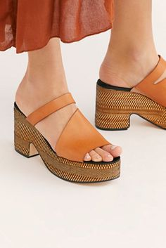 873393fa2d 20 Great clogs images   Clogs, Clog sandals, Free people