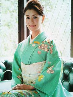 Kimono Fashion, Ethnic Fashion, Womens Fashion, Japanese Costume, Japanese Kimono, Japanese Outfits, Japanese Fashion, Cute Kimonos, Wedding Kimono