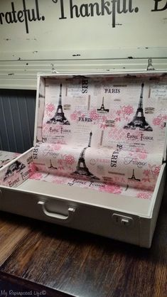 A vintage suitcase makeover includes tips on making the lining and how to secure the lining in the suitcase without using a sewing machine. Vintage Suitcase Decor, Vintage Trunks, Vintage Decor, Decoupage Suitcase, Suitcase Table, Suitcase Storage, Vintage Suitcases, Vintage Luggage, Repurposed Items