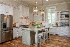 Top 10 Wall Paint Colors To Elevate Your Kitchen Space Kitchen Paint Colors, Room Paint Colors, Interior Paint Colors, Interior Painting, Gray Interior, Farmhouse Interior, Home Decor Kitchen, Home Kitchens, Kitchen Ideas