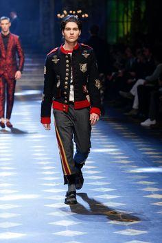 Will Peltz walks for Dolce&Gabbana Fall/Winter 2017/18 Men's Fashion Show. #DGPrinces #DGfw18 #mfw #DGMillennials #realpeople