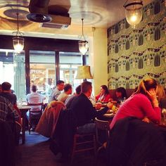 The Elk in the Woods, a good spot for a lunch in Camden Passage.