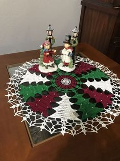Discover thousands of images about Vintage granny square christmas tree free crochet pattern video salvabrani – Artofit Crochet Christmas Decorations, Christmas Tree Pattern, Crochet Christmas Ornaments, Christmas Crochet Patterns, Holiday Crochet, Crochet Doily Patterns, Christmas Knitting, Crochet Doilies, Christmas Crafts