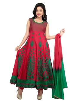 Look like a regal princess in this suit. Crafted from red-green cotton fabric