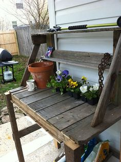 Wooden Pallete Potting Bench-have tim turn into tool bench for lincs room Pallet Furniture Plans Step By Step, Wooden Pallet Furniture, Pallet Wood, Wooden Benches, Pallet Jack, Wooden Ladder, Rustic Bench, Outdoor Furniture, Barn Wood