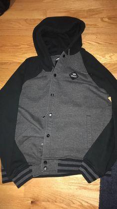 79f1b9ffe6d6 Medium mens grey and black RVCA sweatshirt.