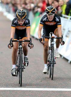 Laura Trott (Wiggle Honda) and Dani King (Wiggle Honda) take second and third in the Birtish national championships