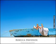 cute beach wedding photo #akumaldirectweddingideas