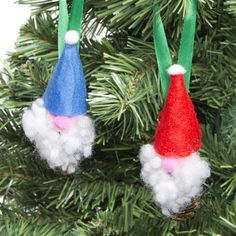 Make a group of these festive fellas to brighten up your Christmas tree