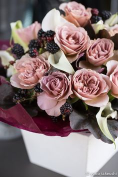 "Tambuzi garden Roses cut Flower collection. Order them online @ http://www.parfumflowercompany.com or visit your Florist. Pin :Rose ""Cafe latte"" arrangement 