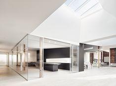 http://interioresminimalistas.com/wp-content/uploads/2015/04/oficinas-Index-Ventures-2-garcia-tamjidi-4.jpg
