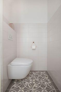 Jaren30woningen.nl | Modern toilet voor in een #jaren30 woning