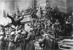 Soldados soviéticos en el Reichstag, Berlín, 1945.